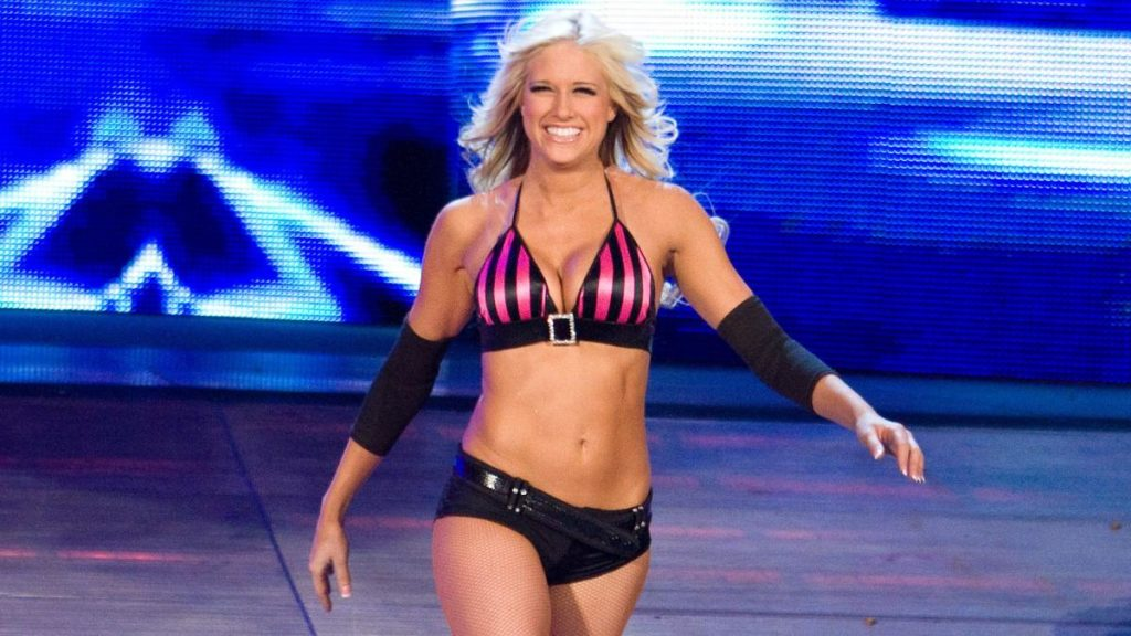 Kelly Kelly - Wrestling Examiner