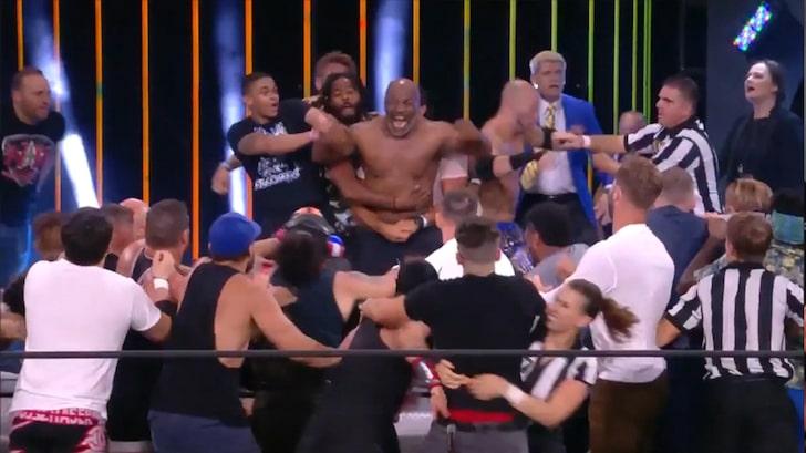 Mike Tyson & Chris Jericho Brawl - Wrestling Examiner